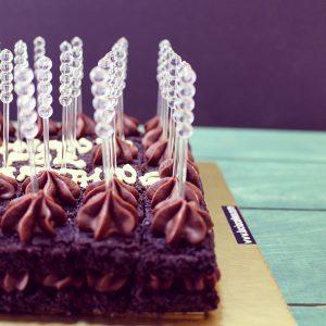 Pre-Cut Cakes